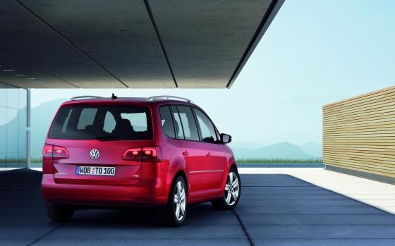 2007 Volkswagen Crosstouran. 2011 Volkswagen CrossTouran